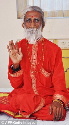 Meet the indian man who hasnt eaten or drunk anything for 70 years-2